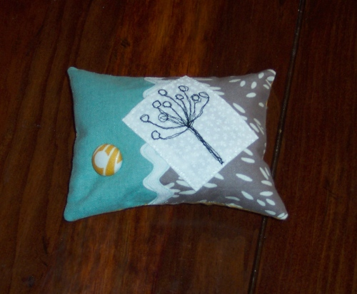 Zakka Pincushion front