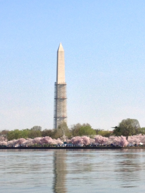 Washington Monument being repaired for earthquake damage